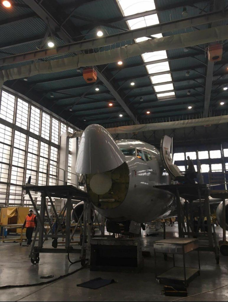 hangar tarom
