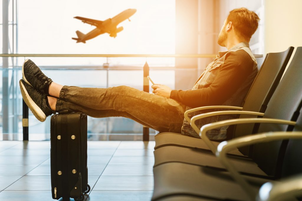 3 strategii pentru combaterea aviofobiei