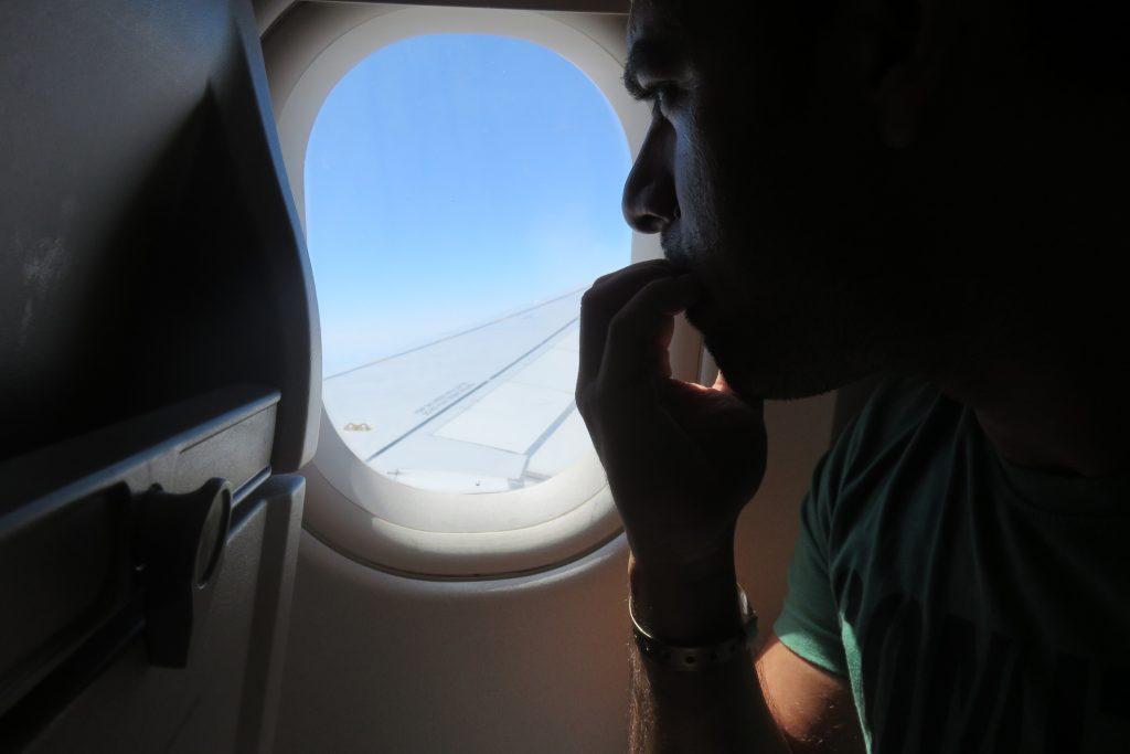 loc in dreptul aripii avion