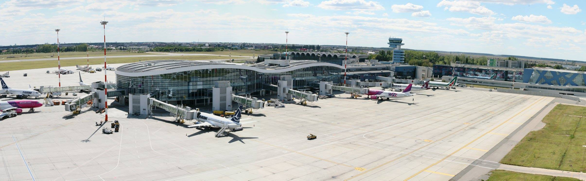 Trafic aerian București. Aeroportul Otopeni devansează tendința europeană