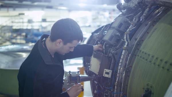 mecanici inspectie aeronava